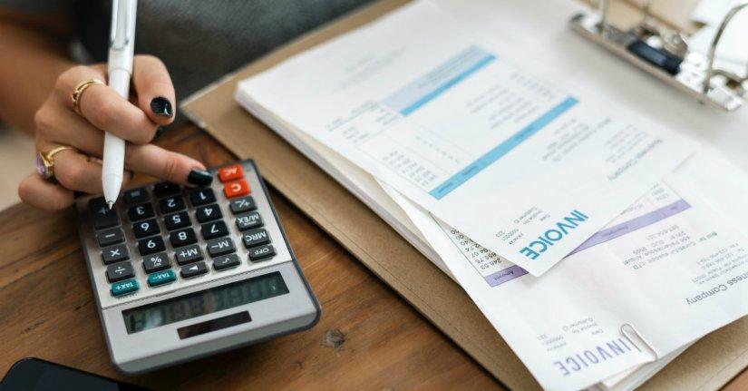 paying-bills-blog-1200